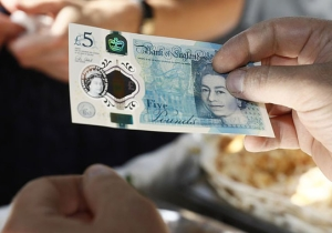 A British Vegetarian Restaurant Is Refusing To Accept The New 5-Pound Notes That Contain Animal Fat