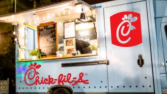 You'd Better Watch Out! Chick-Fil-A's First Food Truck Is Coming To Town