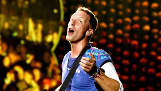 Chris Martin Helped A Fan Propose At A Concert, Pulled The Wrong Lady Onstage, And Recovered Nicely