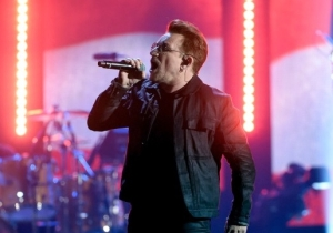 U2 Paid Loving Tribute To Leonard Cohen With A Powerful Performance Of 'Suzanne'
