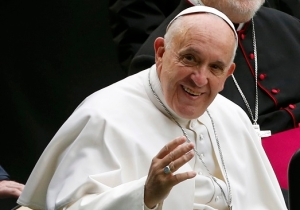 The Pope Says Your Rude Texting Habits Could Start A War