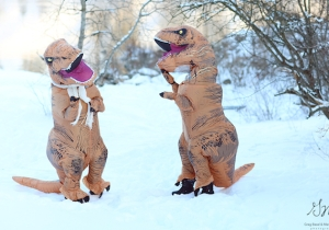 These T-Rex Engagement Photos Are More Beautiful Than Anything Humans Could Muster Up