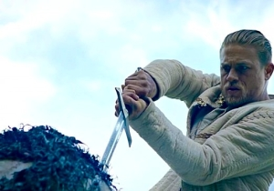 The Latest Glimpse At Guy Ritchie's 'King Arthur' Promises Spectacular Battles And Muscly Medieval Dudes