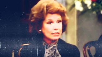There's Nothing Funnier Than Mary Tyler Moore Crying At A Clown's Funeral