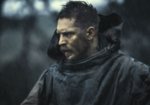 What's On Tonight: Tom Hardy Goes Dark And Weird For 'Taboo'