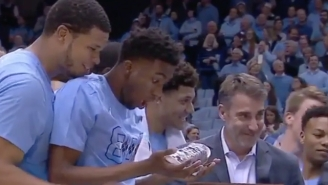 Roy Williams Got Autographed Jordans For His 800th Win And North Carolina Players Were Blown Away