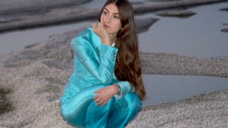 Weyes Blood And Ariel Pink's 'Tears On Fire' Merges Glam Rock And Baroque Pop
