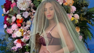 Beyonce Announces She's Pregnant With Twins
