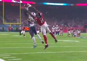 Julio Jones Made One Of The Most Unbelievable Super Bowl Catches You'll Ever See