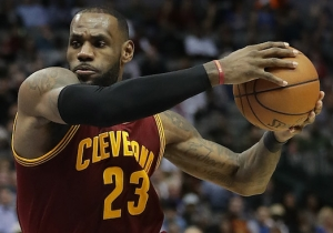 LeBron James Came Extremely Close To Destroying Bill Belichick While He Sat Courtside