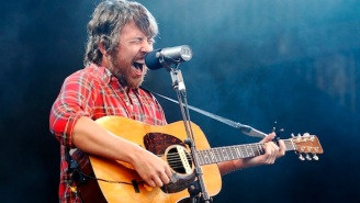 Fleet Foxes' Robin Pecknold Might Be Setting Up His Mom With Another Folk-Rock Star