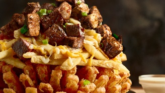 We Tested Outback's NCAA Tournament-Themed Monstrosity And It Was Annoyingly Good