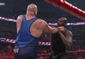 Shaq Revealed Why His WrestleMania 33 Match Against Big Show Never Happened