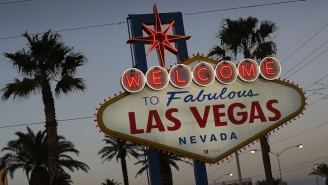 Police Are In A Standoff On The Las Vegas Strip After A Fatal Shooting
