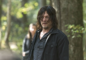 Weekend Preview: 'The Walking Dead' Goes On A Dangerous Journey And 'Feud' Deals With Some Bad Press