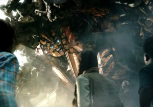 The New Clip And Trailer Combo For 'Transformers: The Last Knight' Is Full Of Kids And Chaos