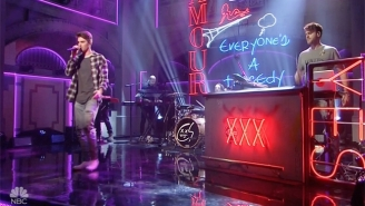 The Chainsmokers Bring Every Toxic Relationship You've Ever Been In To 'SNL' With 'Break Up Every Night'