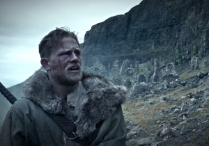 King Arthur Shows How To Use A Sword In This Exclusive Clip From 'King Arthur: Legend Of The Sword'