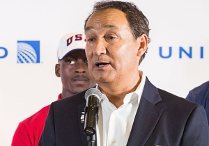 United Airlines CEO Oscar Munoz Loses Out On A Promotion In The Fallout From His 'Re-Accommodation' Controversy