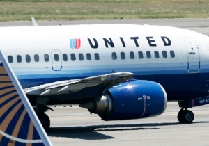 People Are Furious And Threatening To Boycott United Airlines Over The Violent Removal Of A Doctor