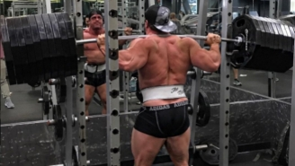 A Fake Weights Conspiracy Might Be Helping Some Powerlifters Go Viral