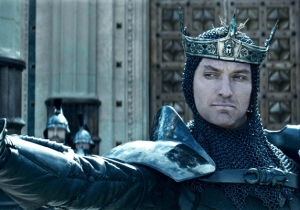 Guy Ritchie's Nü Metal 'King Arthur: Legend Of The Sword' Puts A Tribal Tat On Ancient Epic
