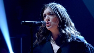Lorde's 'Green Light' Performance On 'Jools Holland' Was Anti-Pop