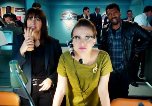 What's On Tonight: Natalie Freaking Portman Guest Stars On 'Angie Tribeca'