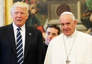 Pope Francis Marvelously Shaded President Trump By Gifting Him With A Climate Change Encyclical