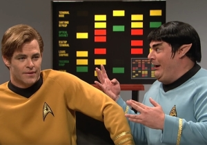 'SNL' Gives Us Chris Pine As Shatner's Kirk In A Lost 'Star Trek' Episode With Spock's Party Loving Brother