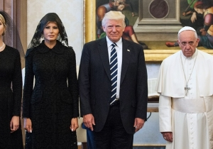 Trump, Melania And Ivanka Posed For Pictures With Pope Francis In The Vatican, And No One Can Deal