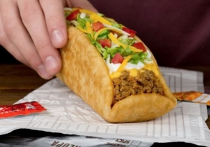 Taco Bell's Double Chalupa Isn't Living Up To The Hype And Customers Are Losing It