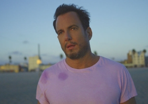 What's On Tonight: Will Arnett Is Here To Feed Us Lies On 'Flaked'