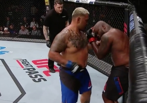 Mark Hunt Beats Down Derrick Lewis In A Monster Truck War Of A Heavyweight Battle At UFC Auckland