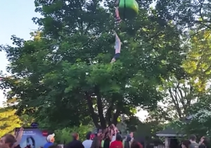 A Six Flags Crowd Heroically Caught A 14-Year-Old Girl After She Fell Off A Ride