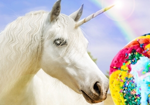 Unicorn Pizza Marks The Official Apex Of Randomly Overloaded Desserts