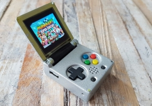 This Keychain-Sized Game Boy Color Needs To Be Nintendo's Next Nostalgia Product