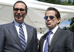 Anthony Scaramucci Is Apparently Producing An HBO Movie About Disgraced Penn State Coach Joe Paterno