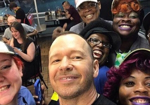 Donnie Wahlberg Dropped A Massive Tip At Waffle House To Honor His 'Queens'