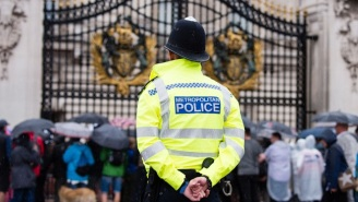 Two Police Officers Outside Of Buckingham Palace Were Attacked By A Man Reportedly Wielding A Knife