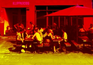 It's Time For Restaurants To Kill The Communal Table
