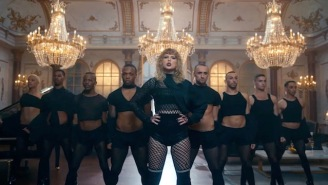 Taylor Swift Teased Her 'Look What You Made Me Do' Video And It Has Major Beyonce 'Formation' Vibes