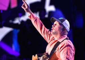 Garth Brooks Will Reportedly Headline Stagecoach 2018, His First Music Festival Appearance