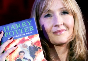 J.K. Rowling And Others Offer Support To A First-Time Writer Who Gets An Unwanted Lecture On Her First Book