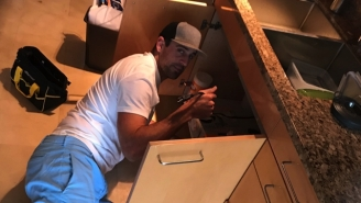 Aaron Rodgers Showed He's An All-Pro Plumber Too By Fixing Clippers Forward Sam Dekker's Sink