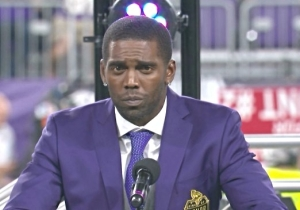 Randy Moss Gave An Emotional Thank You To The Late Dennis Green In His Vikings Ring Of Honor Speech