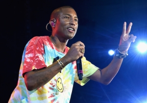 Pharrell Takes A Knee At The Concert For Charlottesville Because 'That's What The Flag Is For'