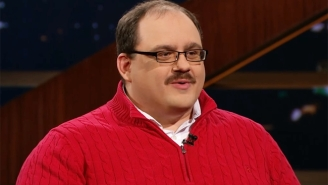 Bill Maher And Undecided Voter Ken Bone Attempt To Pinpoint Why There Is Still Hate For Hillary Clinton