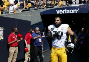 One Pittsburgh Steeler Stood Alone In The Tunnel For National Anthem While Rest Of The Team Stayed In The Locker Room