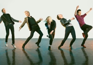 Franz Ferdinand Covers Angel Olsen's 'Shut Up Kiss Me' With The Right Amount Of Attitude And Gusto
